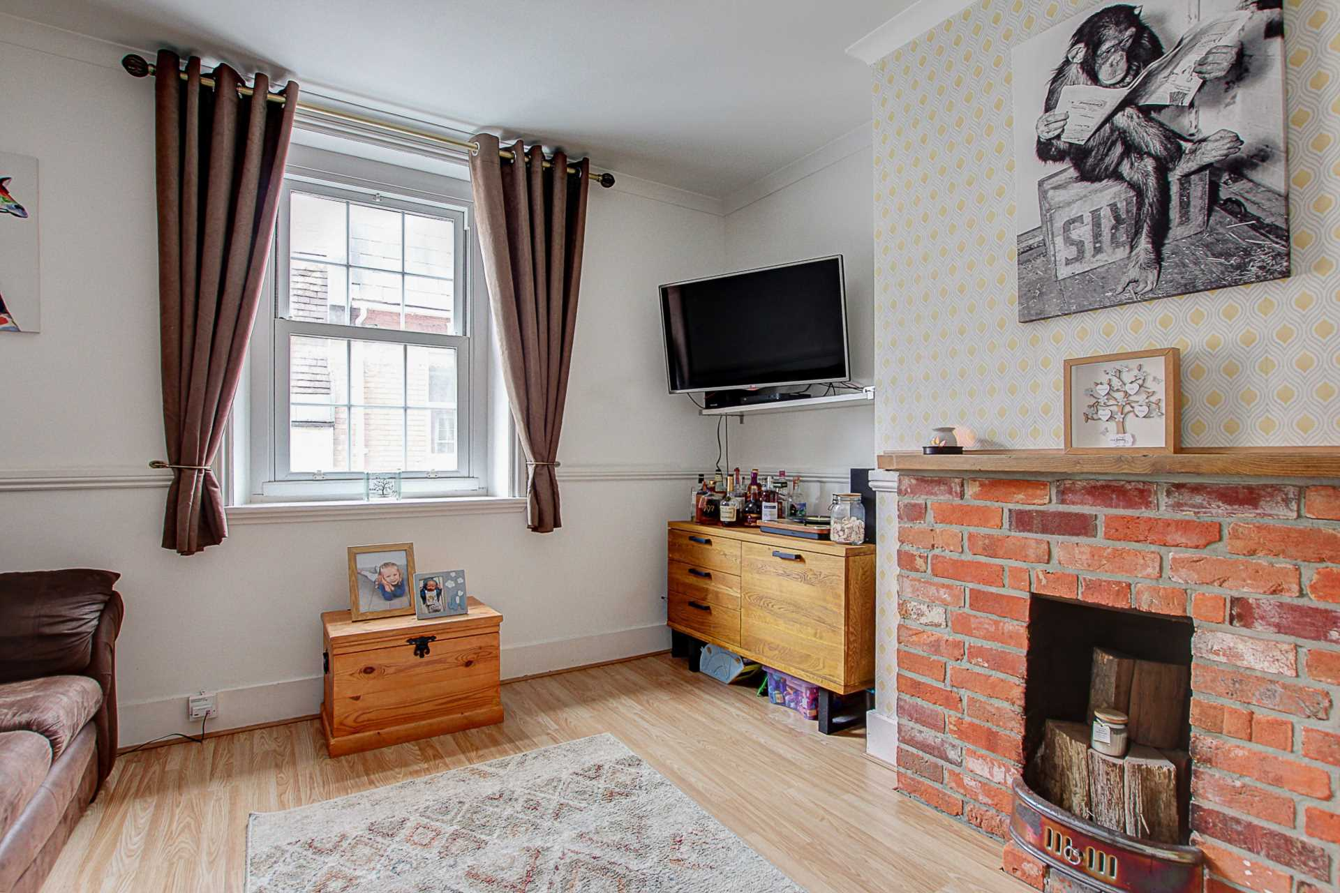 2 bed flat for sale in Salisbury Street, Blandford Forum  - Property Image 3