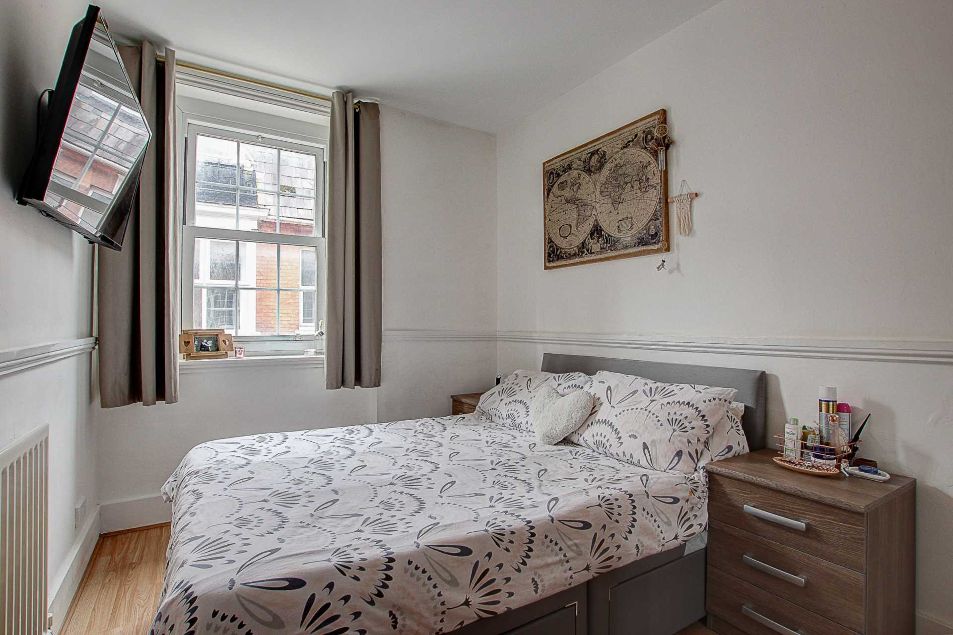 2 bed flat for sale in Salisbury Street, Blandford Forum  - Property Image 4