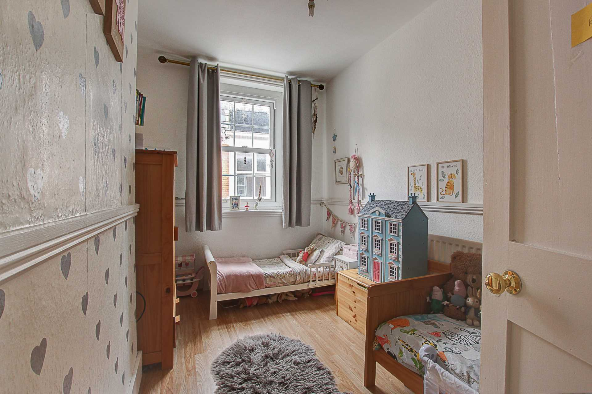 2 bed flat for sale in Salisbury Street, Blandford Forum  - Property Image 5