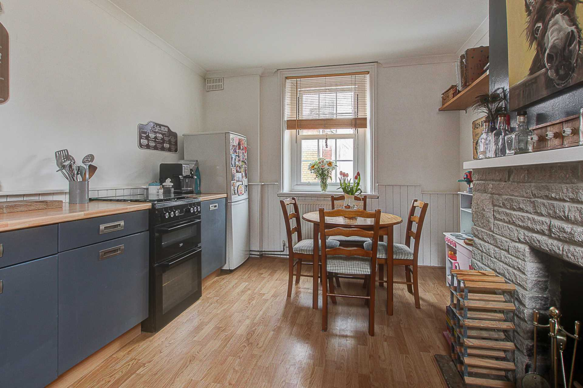 2 bed flat for sale in Salisbury Street, Blandford Forum  - Property Image 8