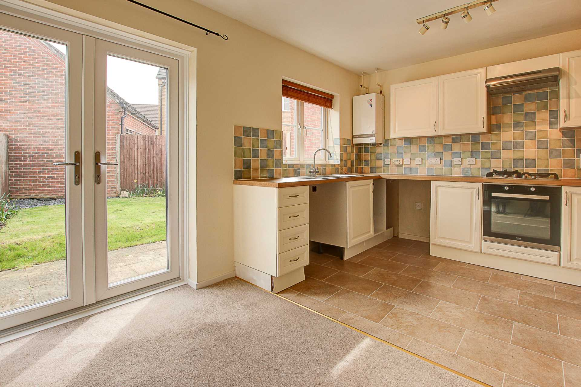 3 bed end of terrace house to rent in Chivrick Close, Sturminster Newton  - Property Image 3