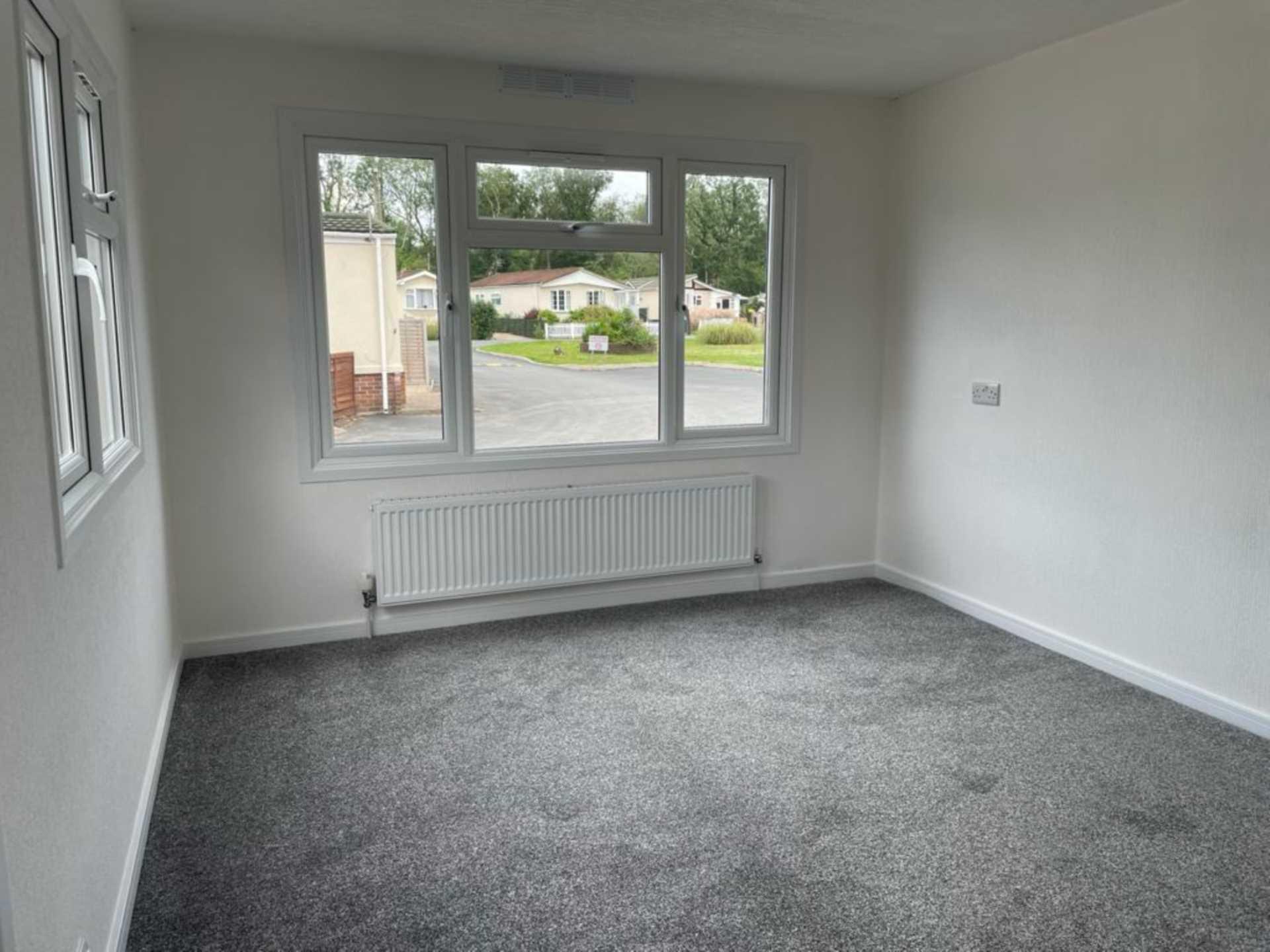 2 bed park home to rent in Ashley Wood Park, Tarrant Keyneston, Blandford Forum 1