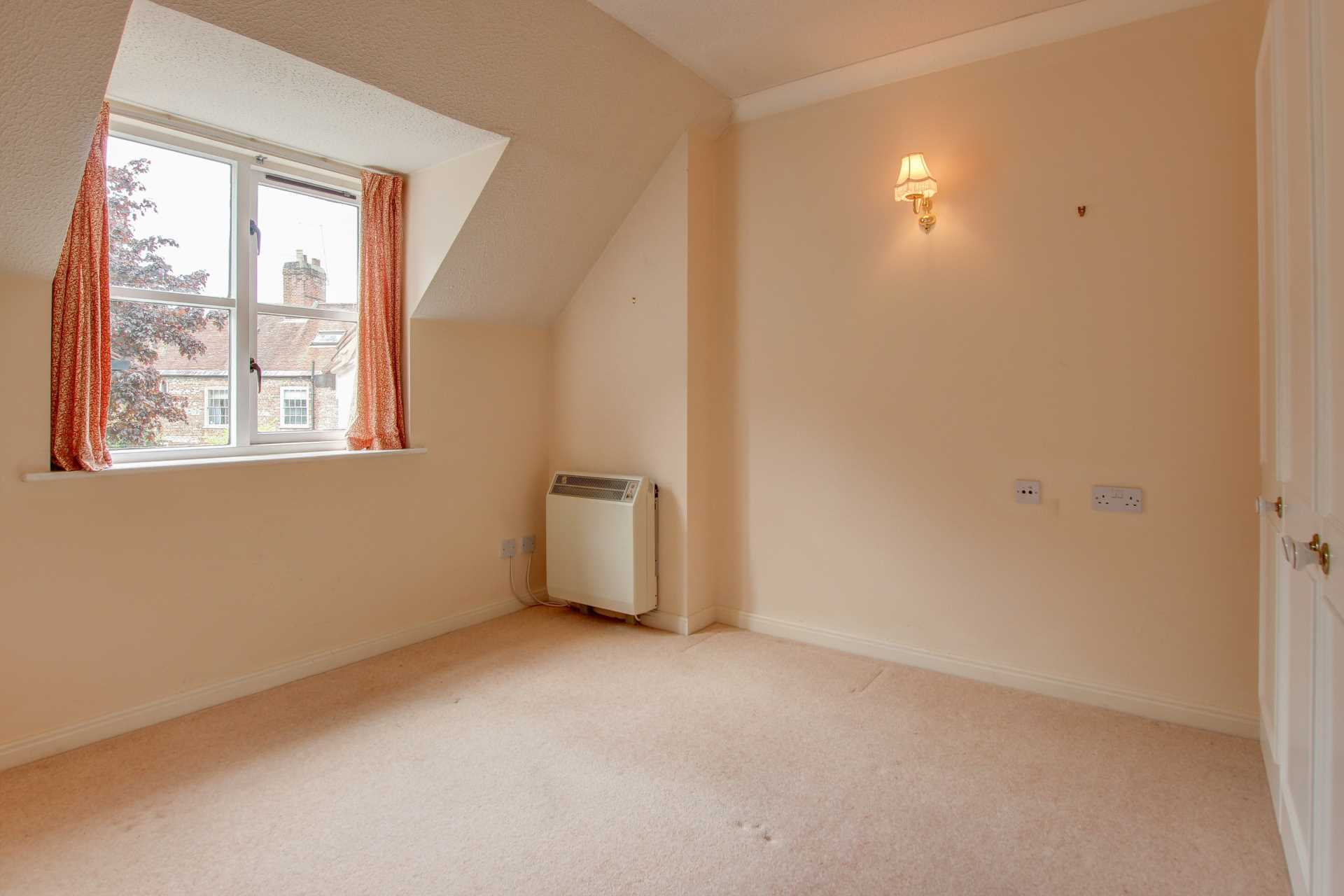 2 bed retirement property for sale in Whitecliffe Court, Blandford Forum, Blandford Forum 4