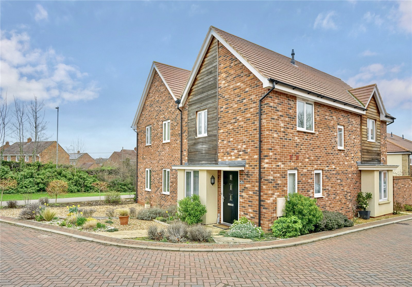 3 bed house for sale in St. Ives, PE27 6TD  - Property Image 1