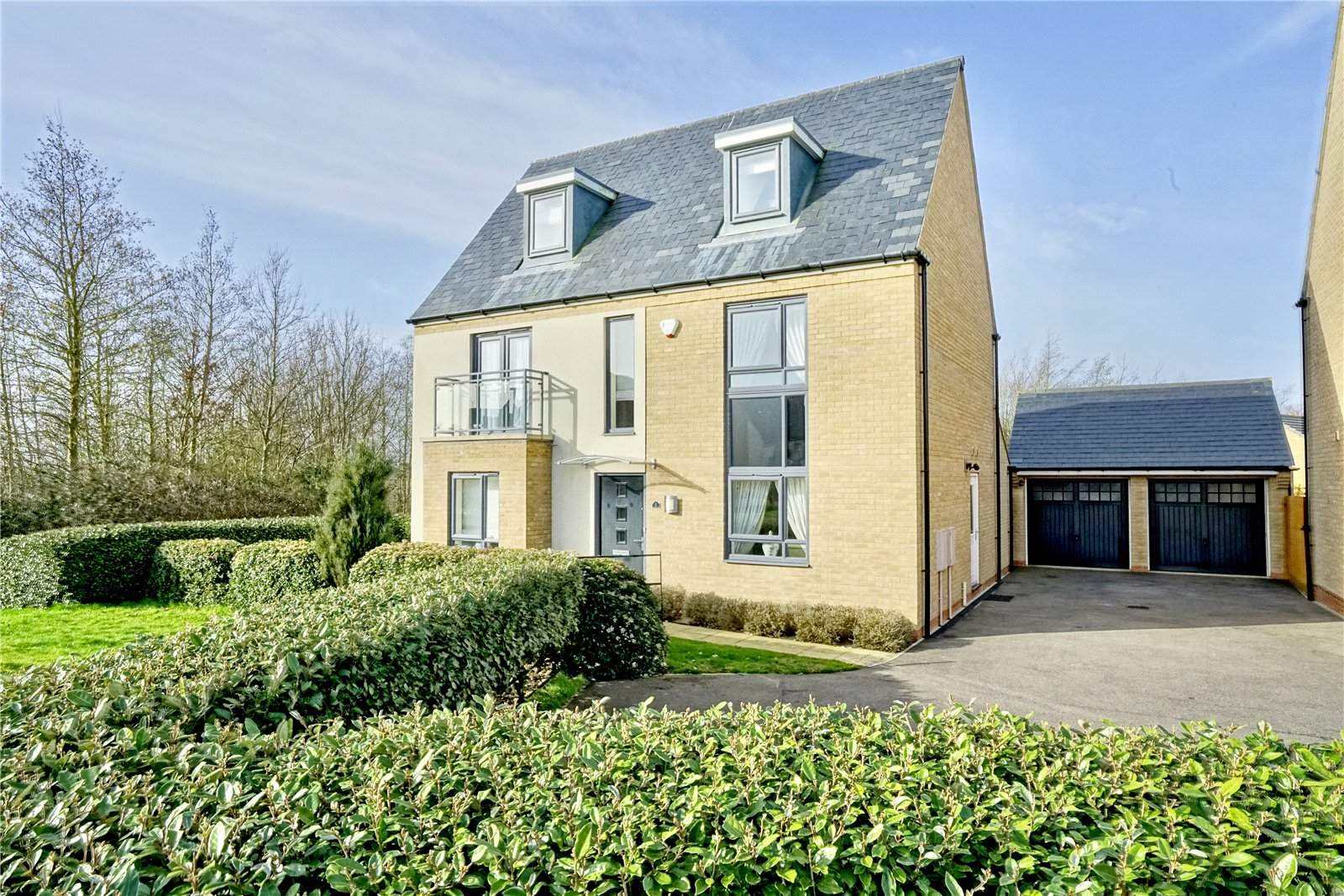 5 bed house for sale in Papworth Everard, CB23 3AQ - Property Image 1