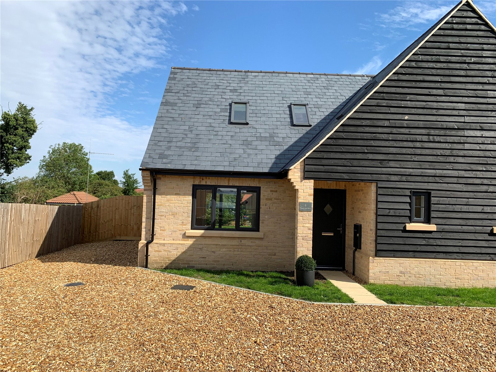 3 bed house for sale in Pidley, PE28 3DD  - Property Image 1