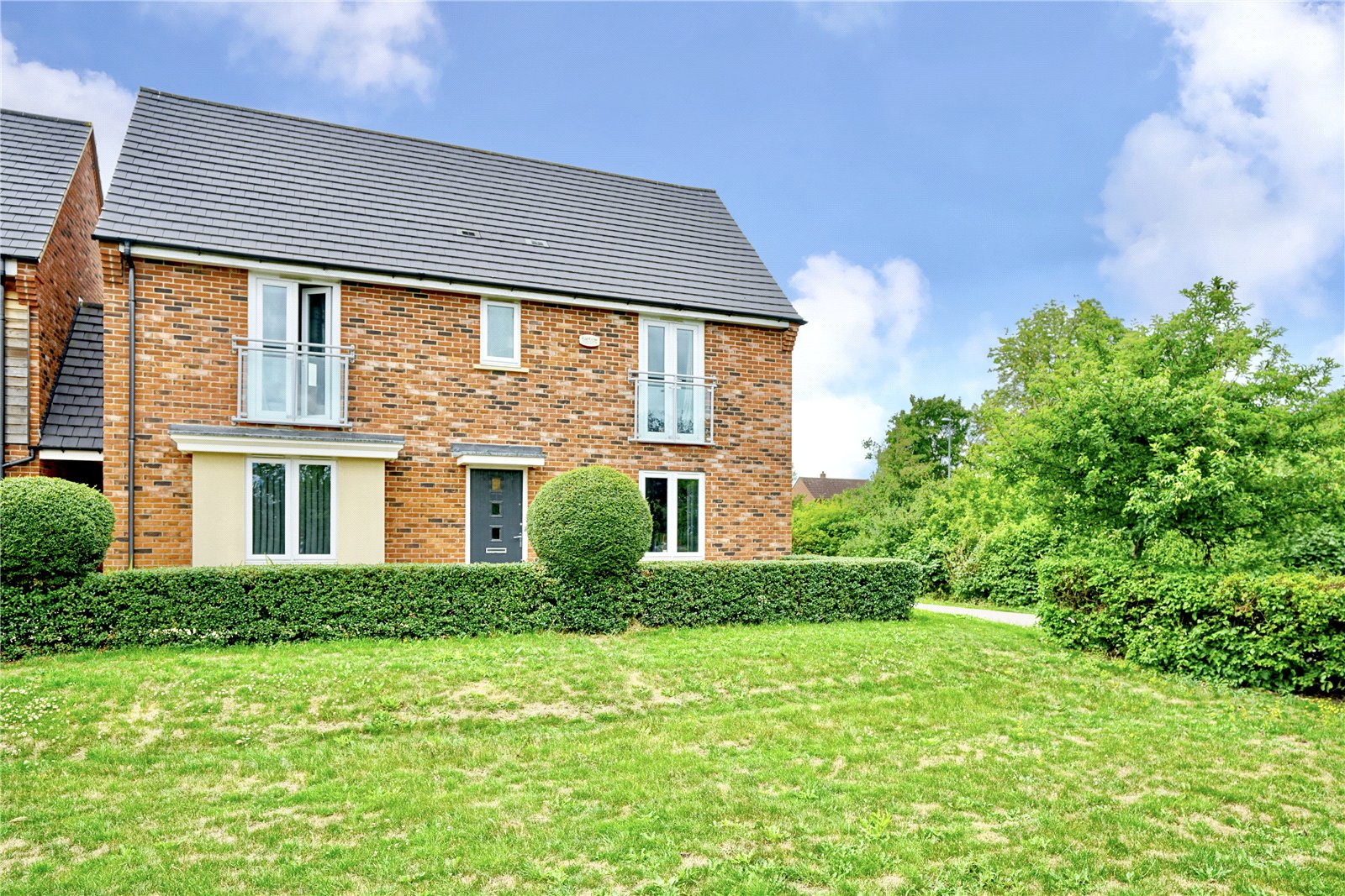 4 bed house for sale in St. Ives, PE27 6RX  - Property Image 1