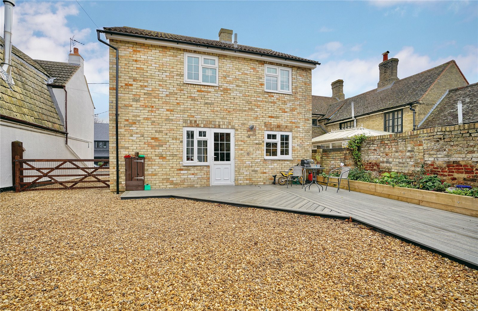 3 bed house for sale in Earith, PE28 3PP - Property Image 1