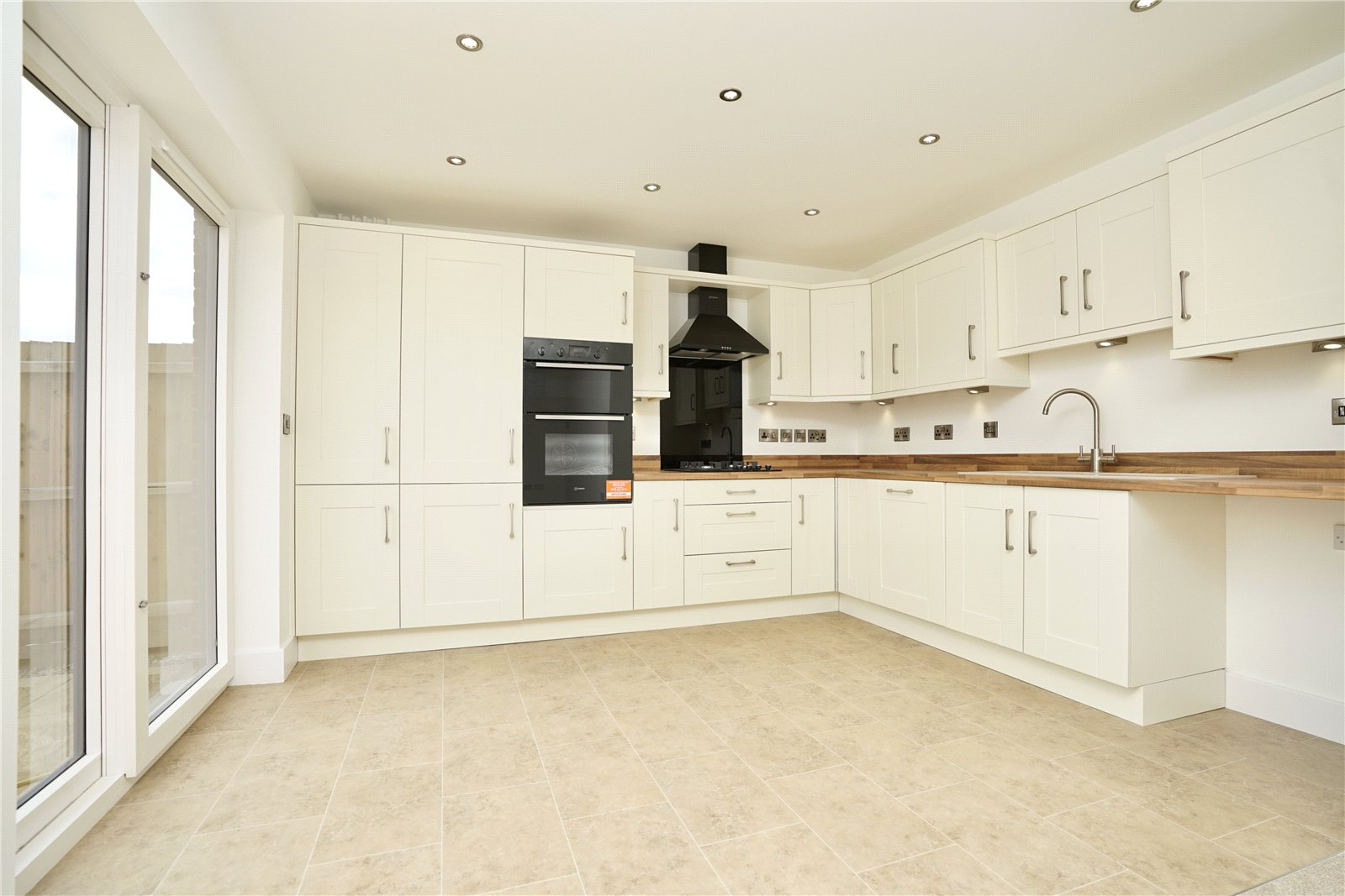 3 bed bungalow for sale in Whittlesey, PE7 1RU  - Property Image 2