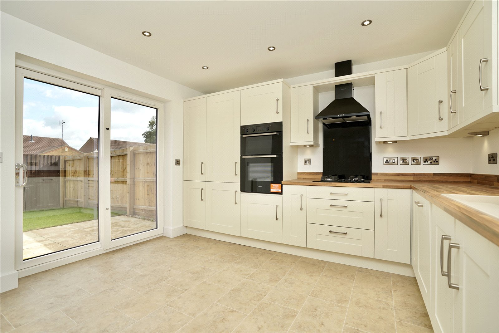 3 bed bungalow for sale in Whittlesey, PE7 1RU  - Property Image 5