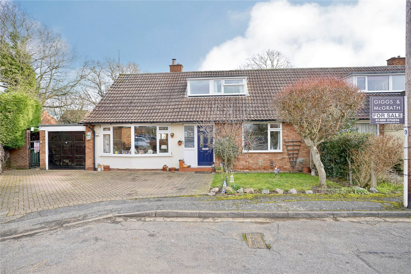 3 bed house for sale in Hemingford Grey, PE28 9BS  - Property Image 3