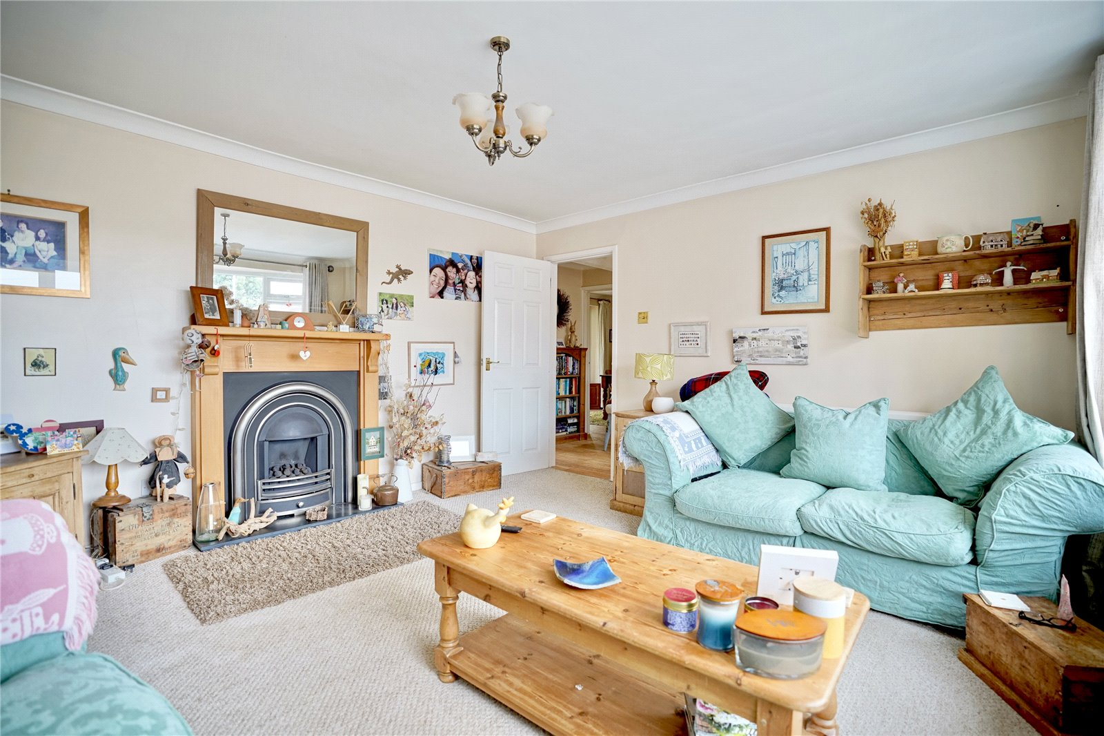3 bed house for sale in Hemingford Grey, PE28 9BS  - Property Image 2