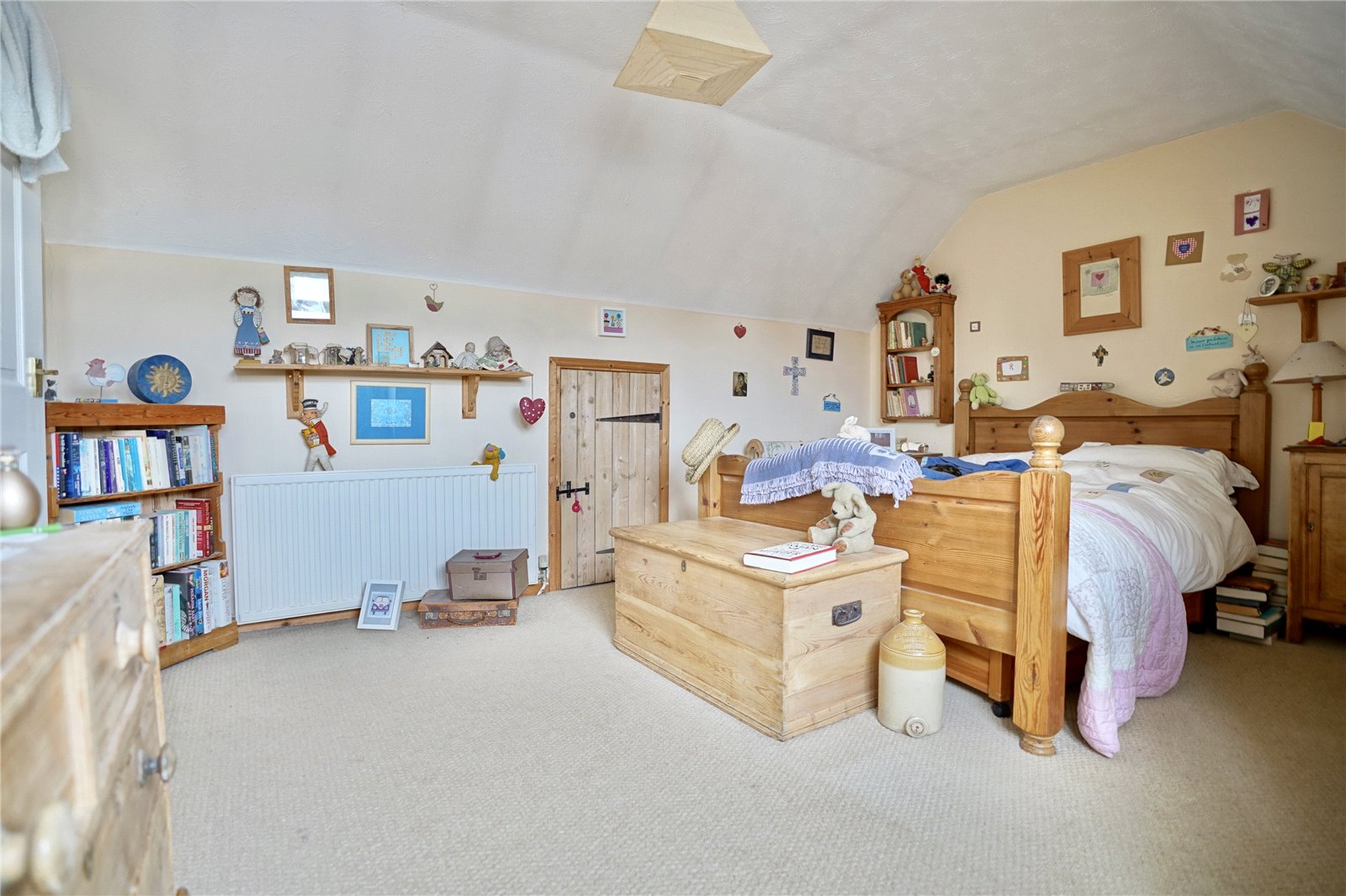 3 bed house for sale in Hemingford Grey, PE28 9BS  - Property Image 8