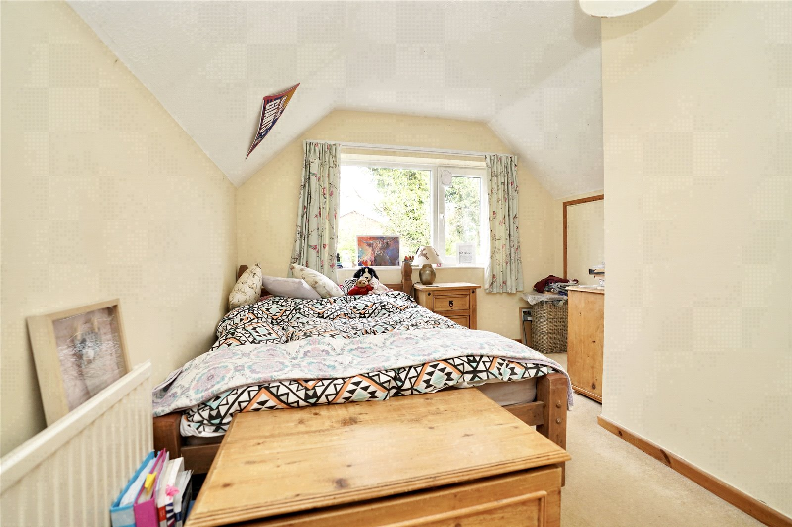 3 bed house for sale in Hemingford Grey, PE28 9BS  - Property Image 12