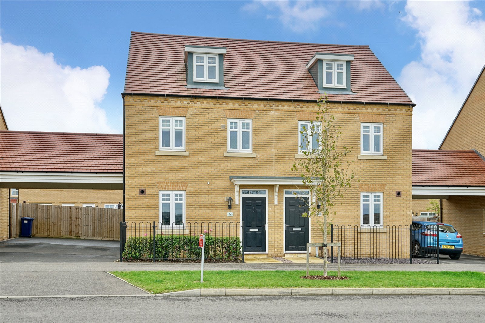 3 bed house for sale in Godmanchester, PE29 2ND - Property Image 1