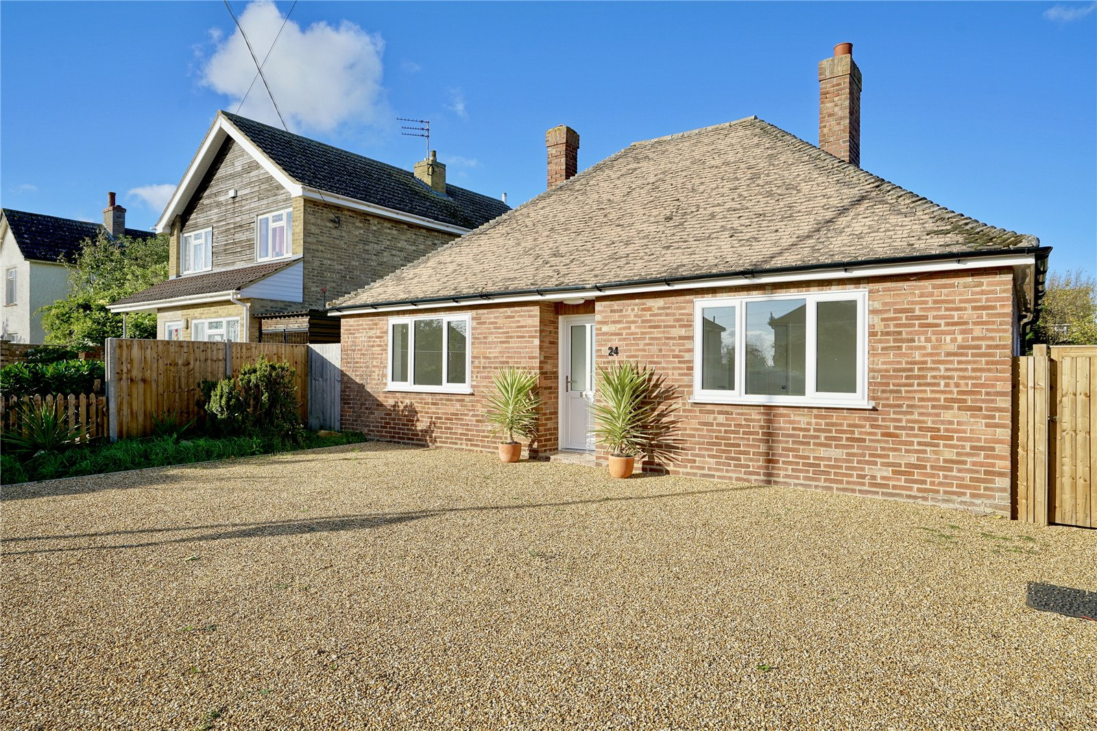 2 bed bungalow for sale in Bluntisham, PE28 3LN  - Property Image 1