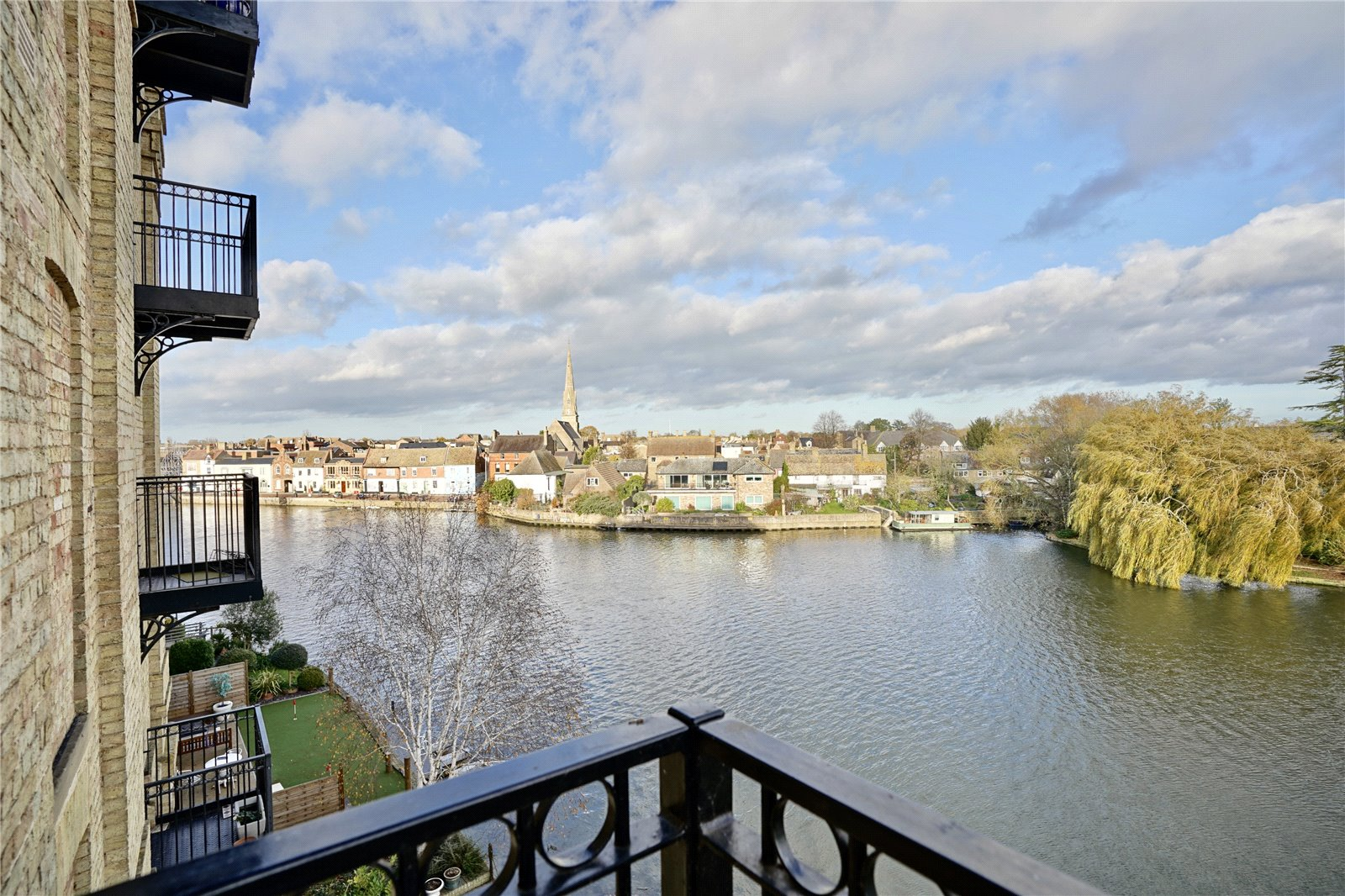 2 bed apartment for sale in St. Ives, PE27 5EY - Property Image 1