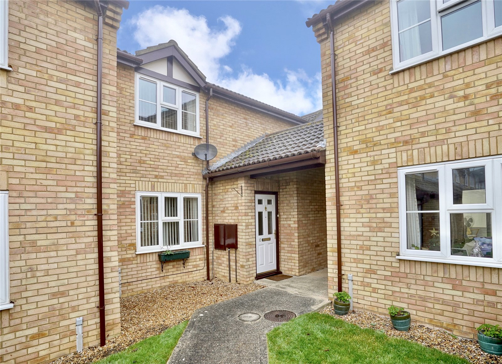 2 bed house for sale in St. Ives, PE27 5QZ  - Property Image 1