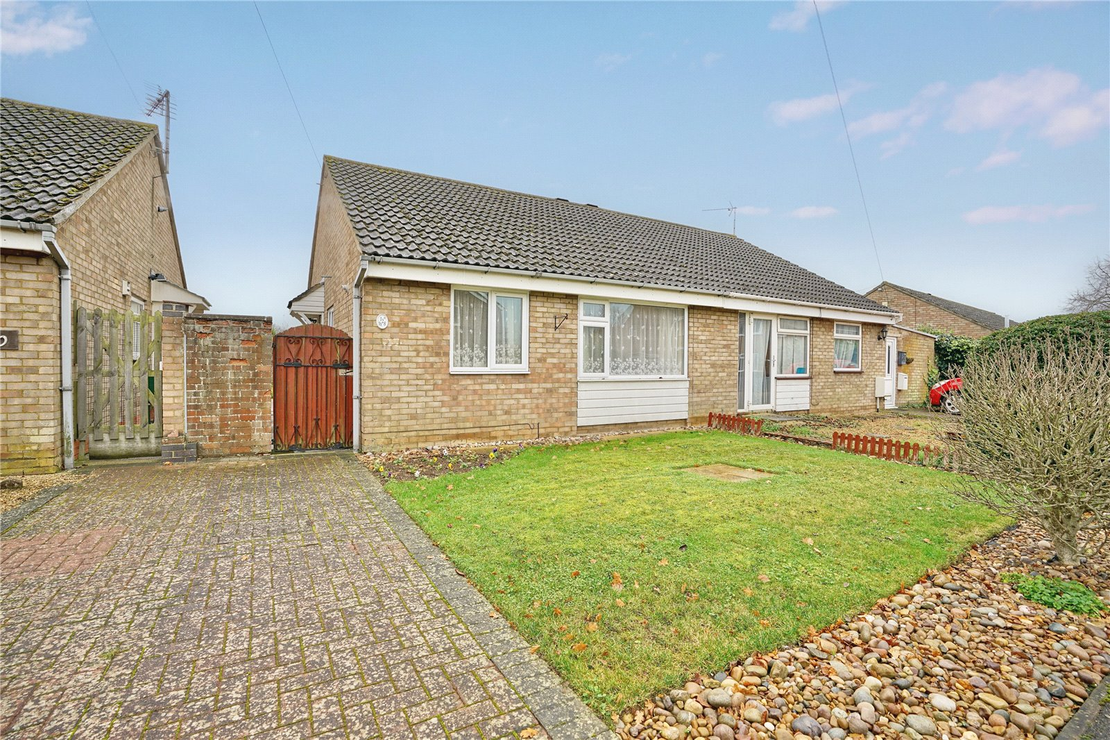 2 bed bungalow for sale in Brampton, PE28 4UA  - Property Image 1