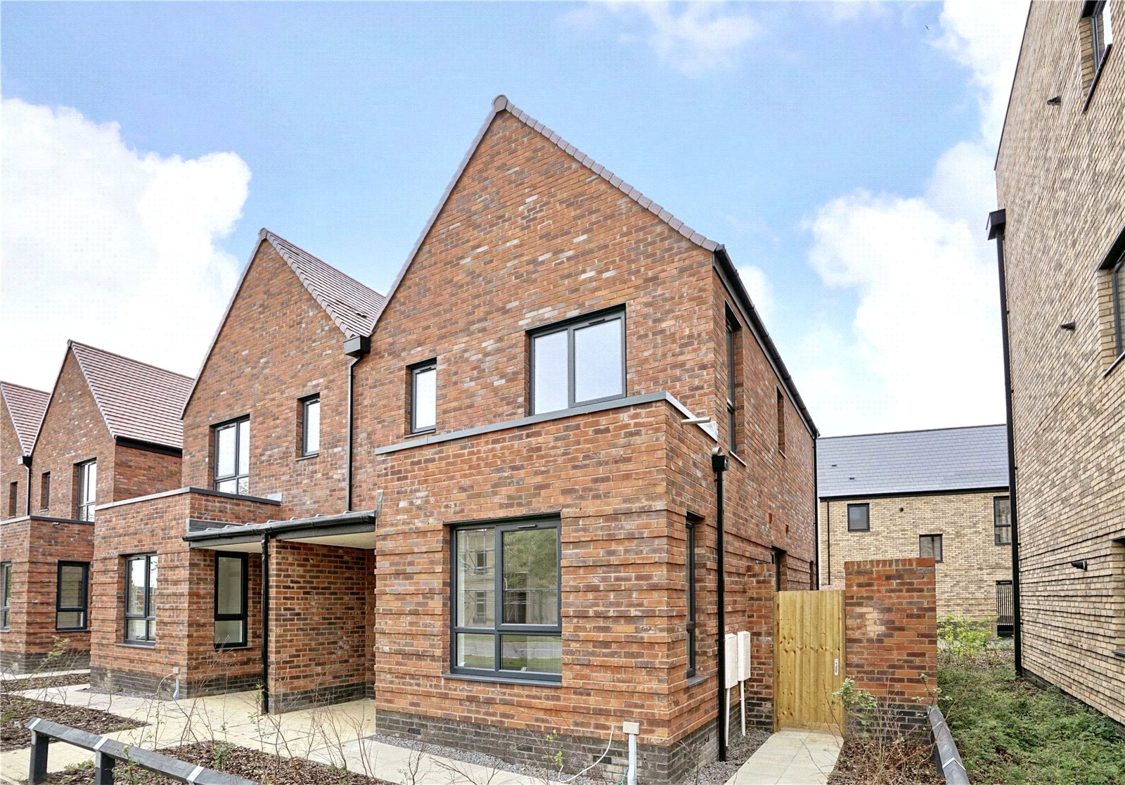 3 bed house for sale in Alconbury Weald, PE28 4HX - Property Image 1