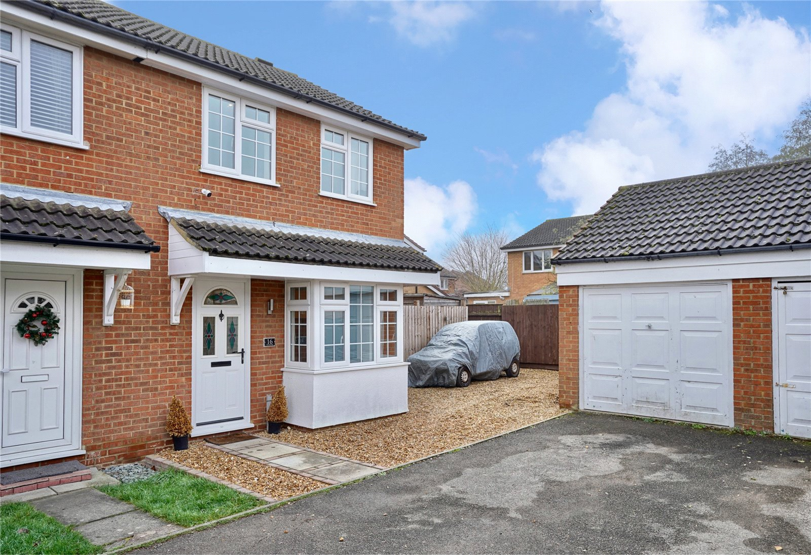 3 bed house for sale in Huntingdon, PE29 6UJ - Property Image 1