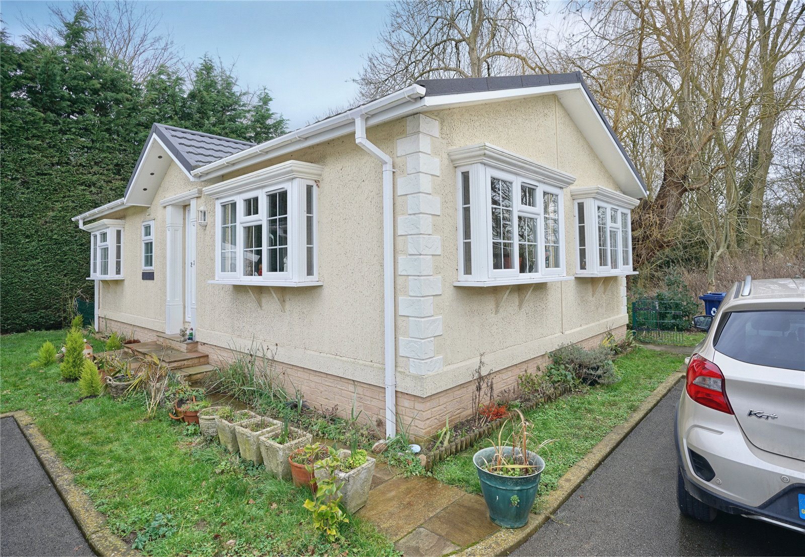 2 bed house for sale in Park Lane, PE29 2AN  - Property Image 1