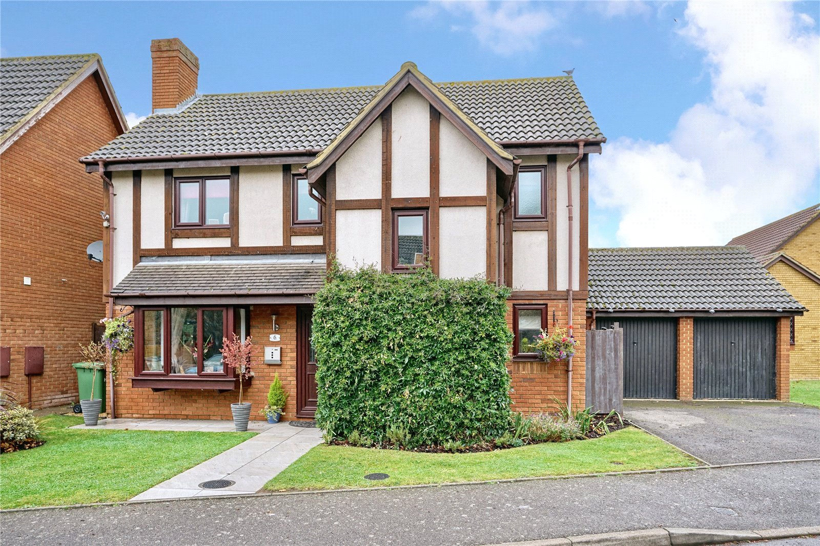 4 bed house for sale in Yaxley, PE7 3WN  - Property Image 1