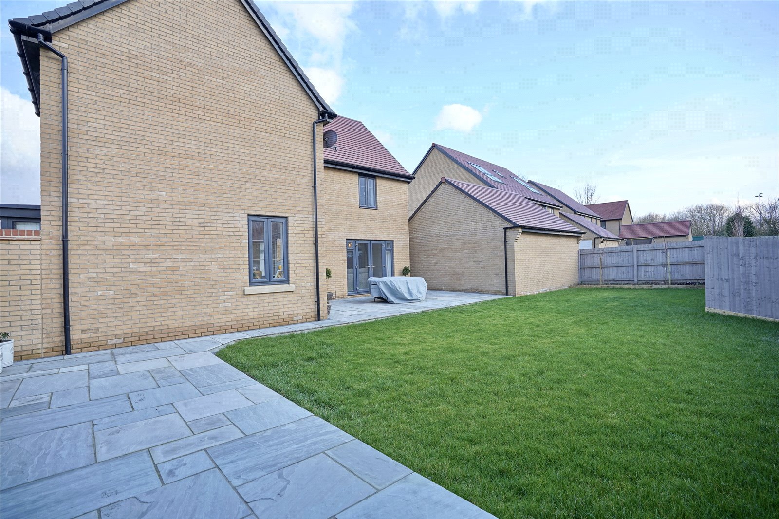 5 bed house for sale in Godmanchester, PE29 2NG  - Property Image 11
