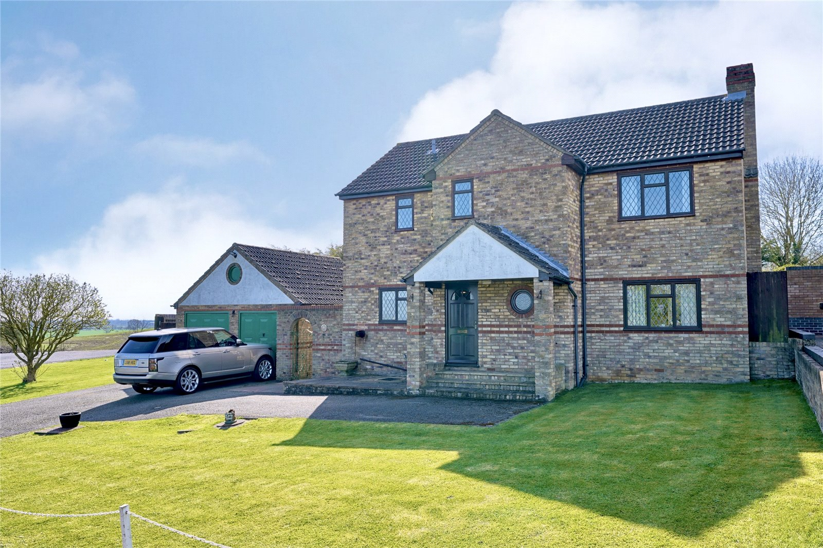4 bed house for sale in Warboys, PE28 2TQ  - Property Image 1