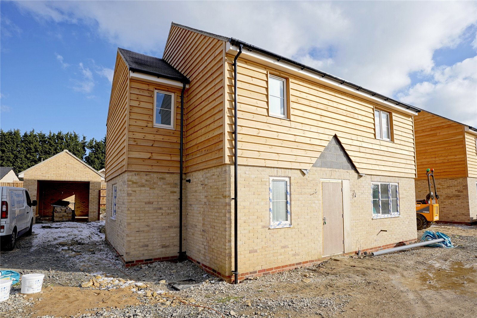3 bed house for sale in Great Stukeley, PE28 4AW  - Property Image 1