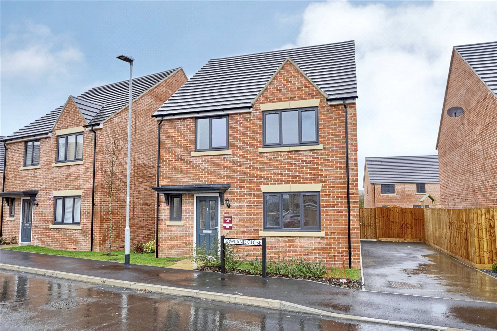 4 bed house for sale in Sawtry, PE28 5UJ - Property Image 1