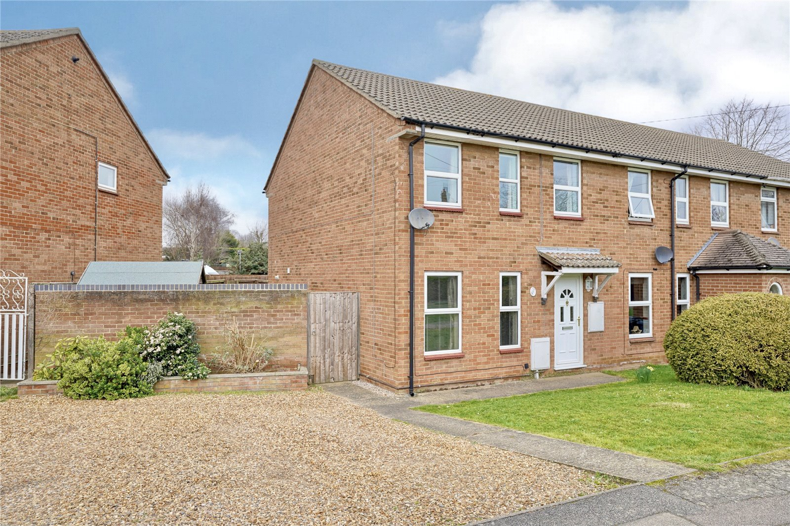 3 bed house for sale in Earith, PE28 3PU - Property Image 1