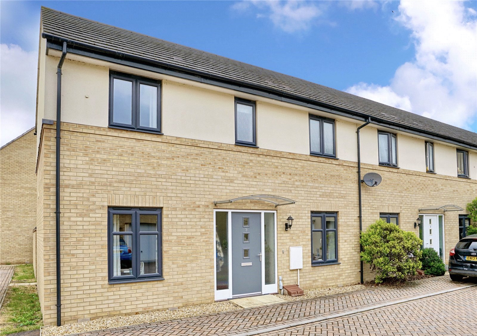 3 bed house for sale in St. Ives, PE27 5DL - Property Image 1