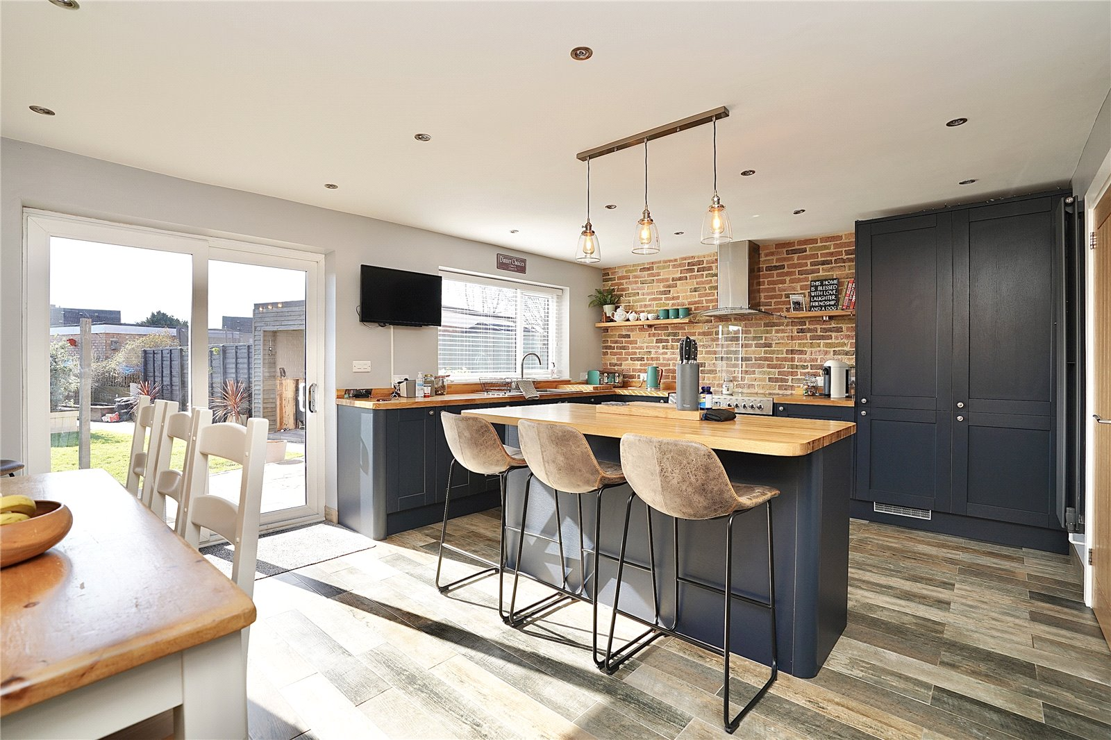 4 bed house for sale in Cambridge Road, PE29 2BS  - Property Image 1
