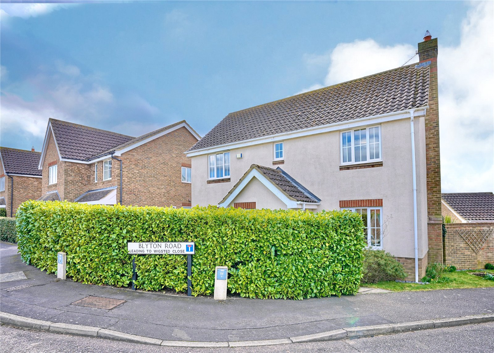 4 bed house for sale in Papworth Everard, CB23 3XY  - Property Image 1