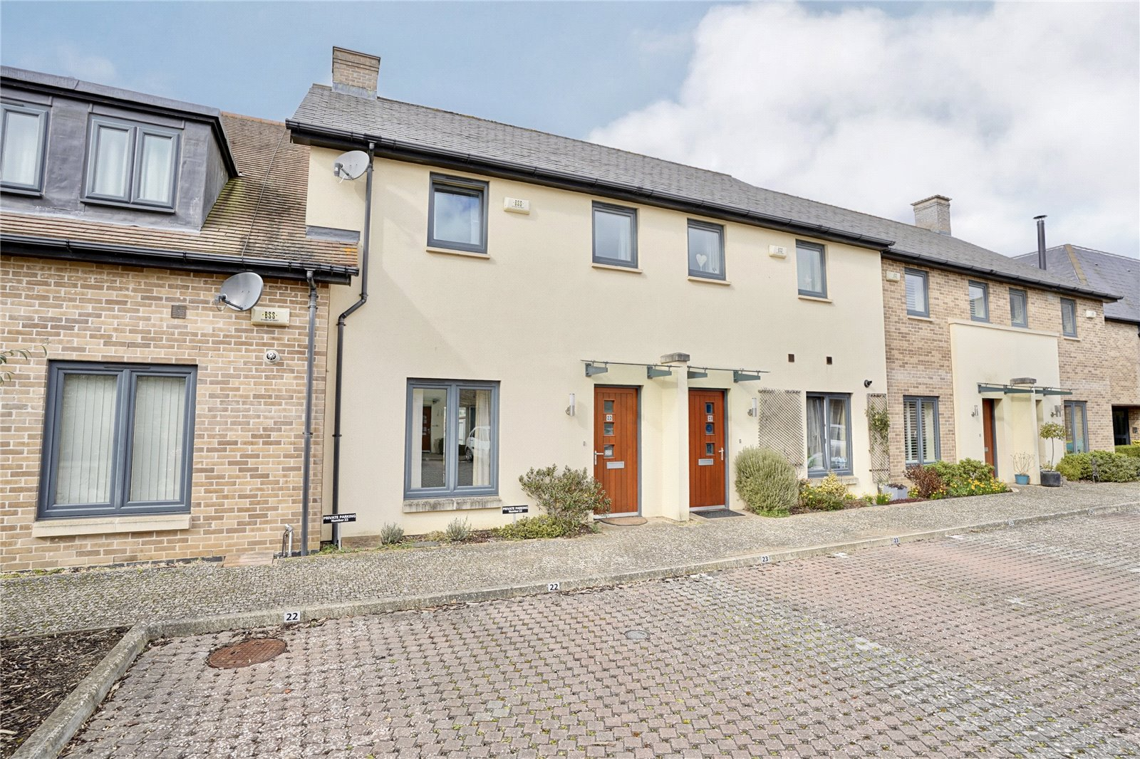 3 bed house for sale in Brampton, PE28 4QR - Property Image 1