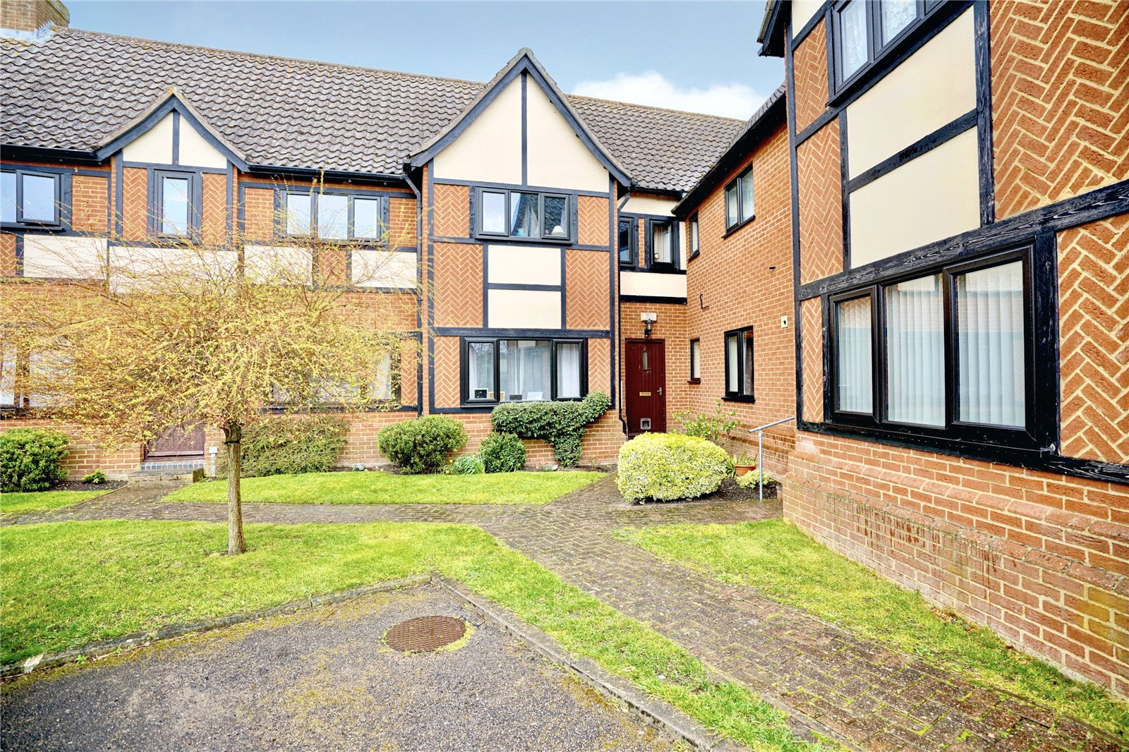 2 bed apartment for sale in Earith, PE28 3PP - Property Image 1
