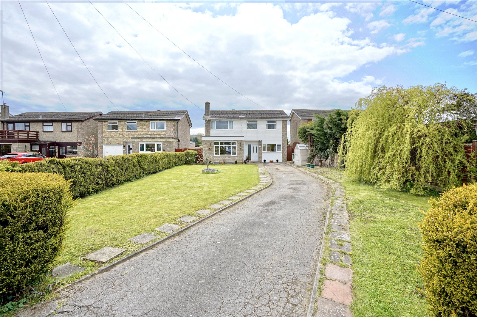 4 bed house for sale in Alconbury, PE28 4EB - Property Image 1