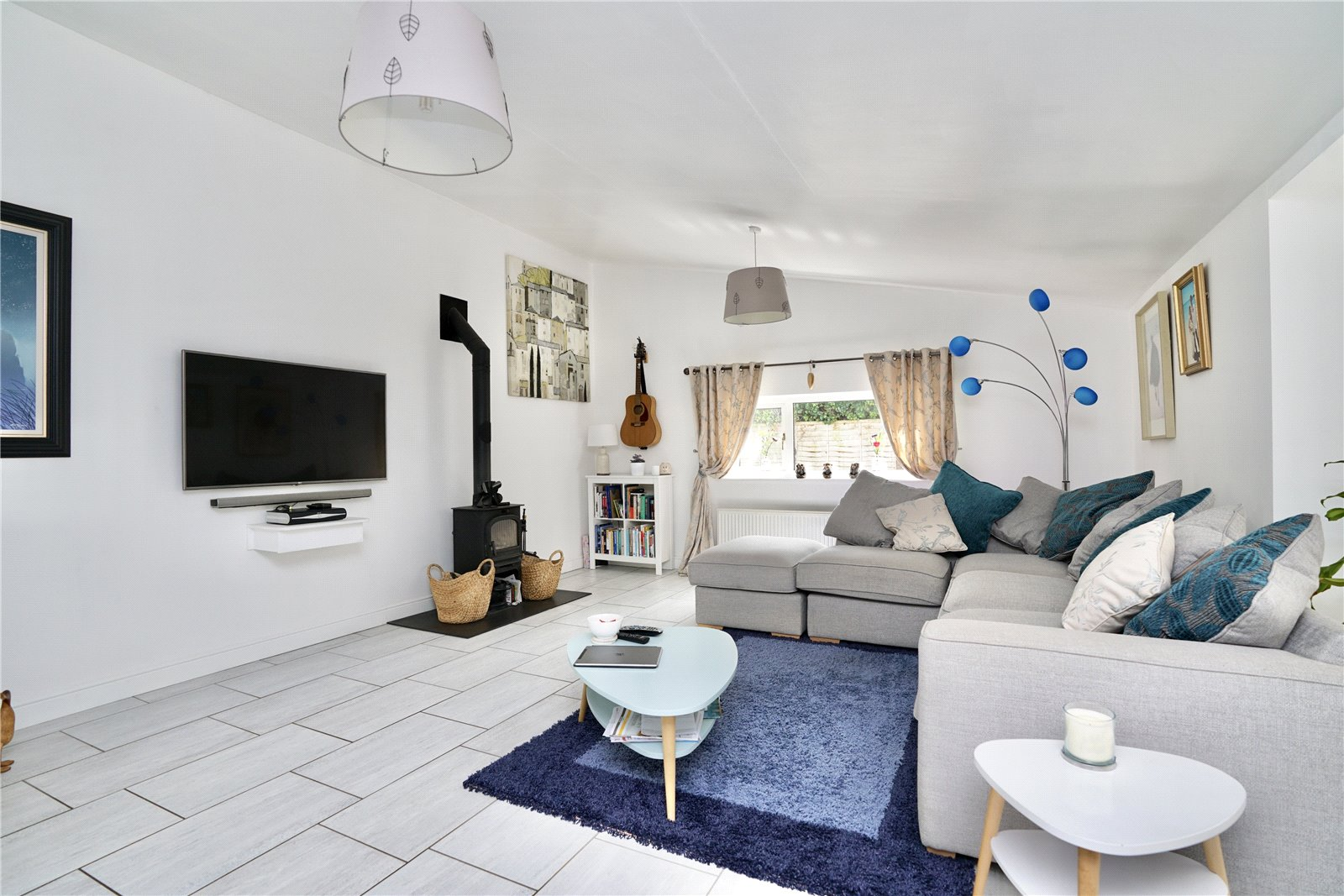 3 bed bungalow for sale in Wyton, PE28 2AL - Property Image 1