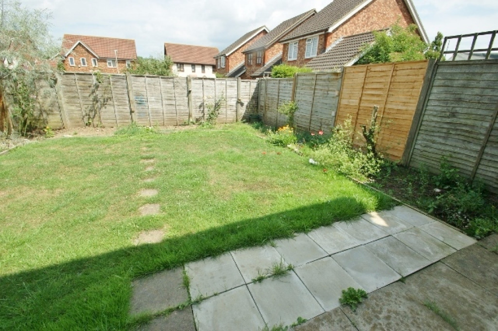 3 bed detached house for sale in Roman Way, Kingsnorth, Ashford  - Property Image 11