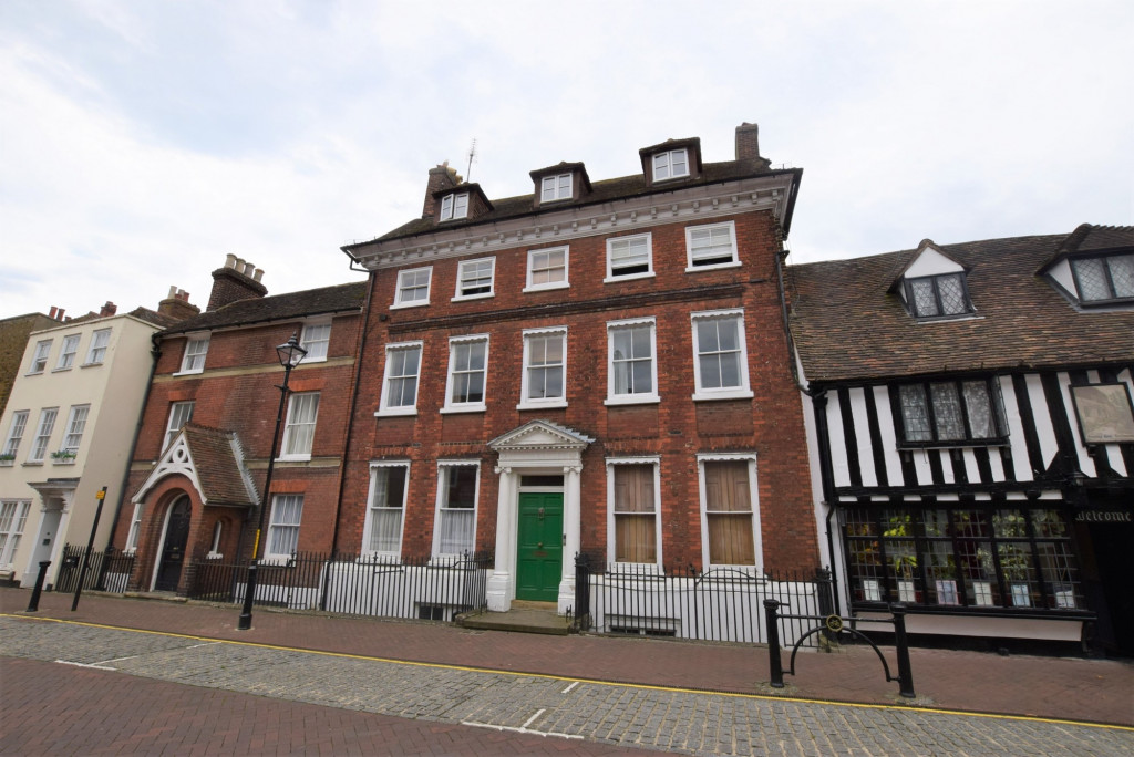 3 bed apartment to rent in North Street, Ashford - Property Image 1