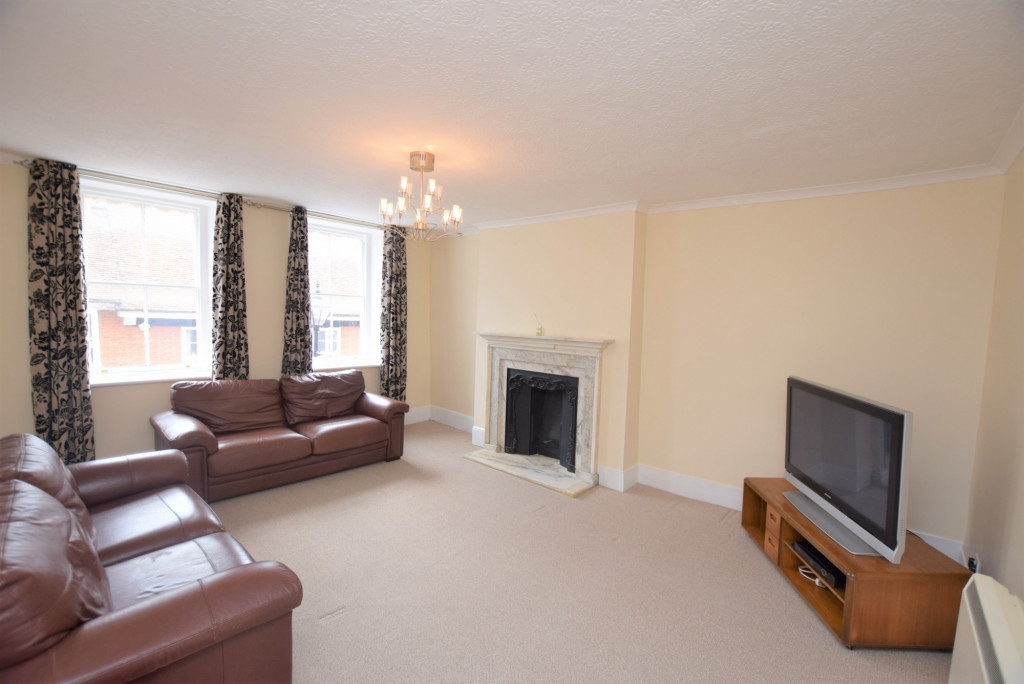 3 bed apartment to rent in North Street, Ashford  - Property Image 3