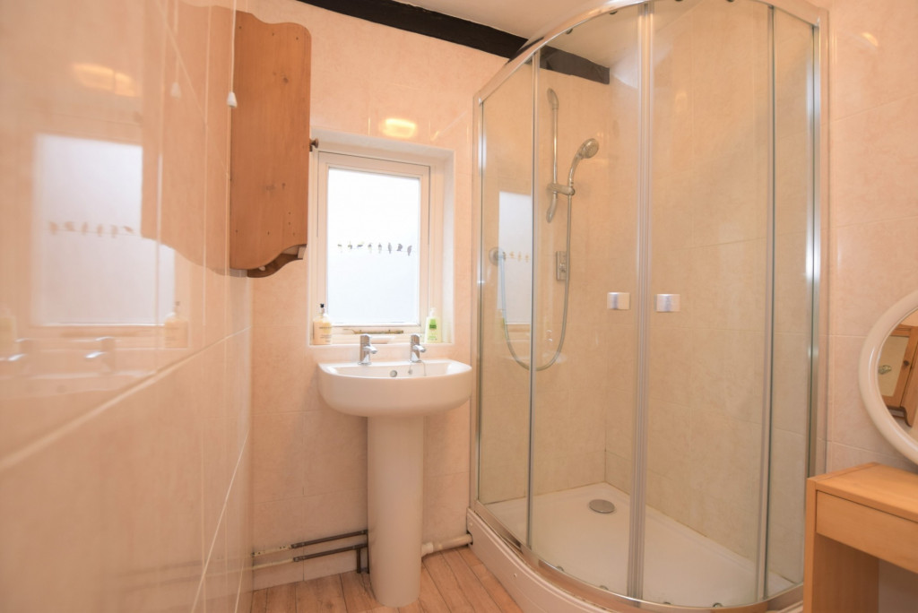 3 bed apartment to rent in North Street, Ashford 5