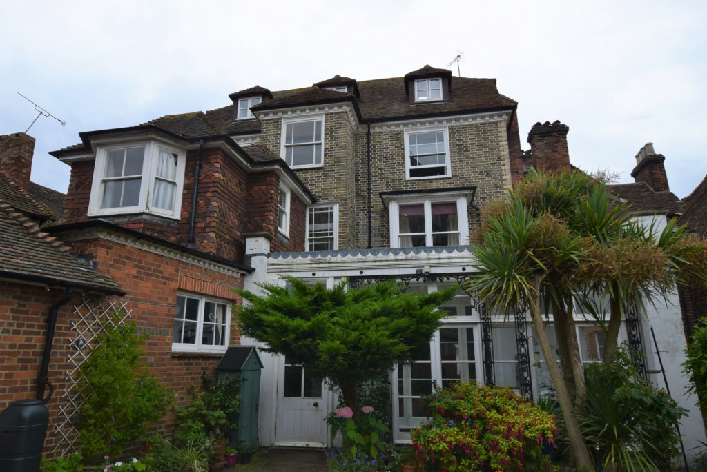 3 bed apartment to rent in North Street, Ashford 8