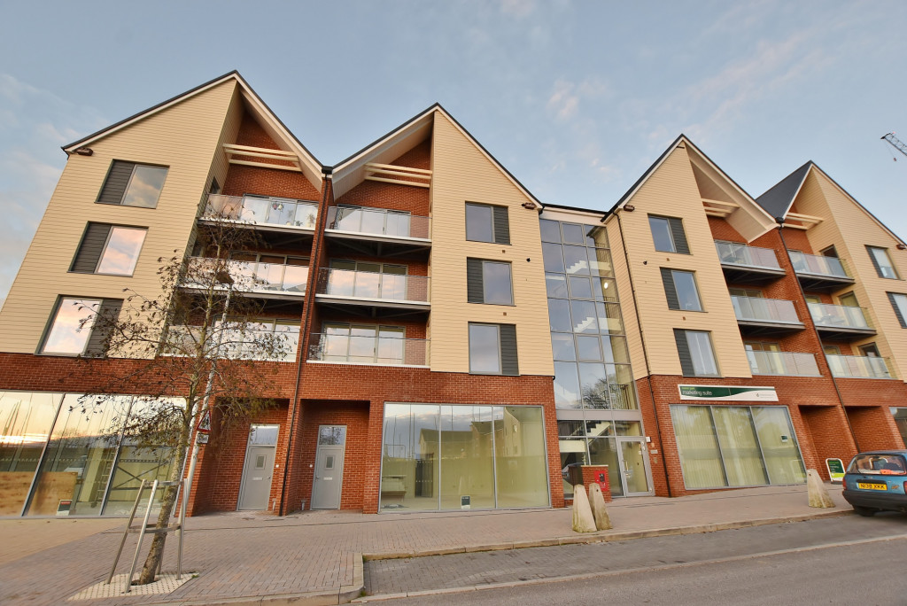 1 bed apartment to rent in Sir John Fogge Avenue, Ashford - Property Image 1