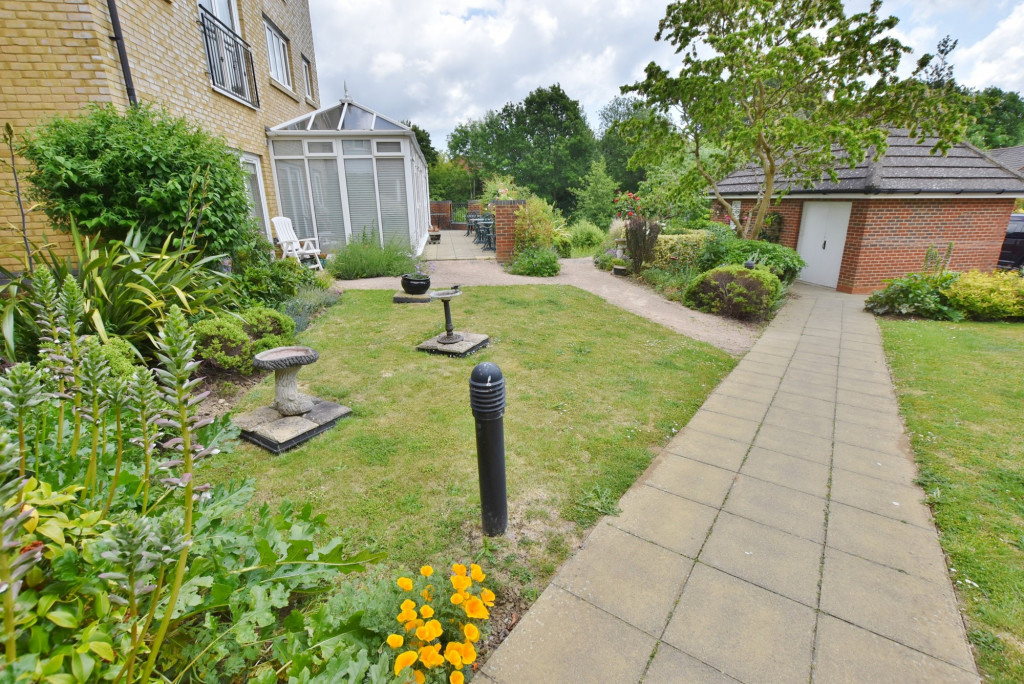 1 bed retirement property to rent in Windsor Court, Hoxton Close, Ashford 8