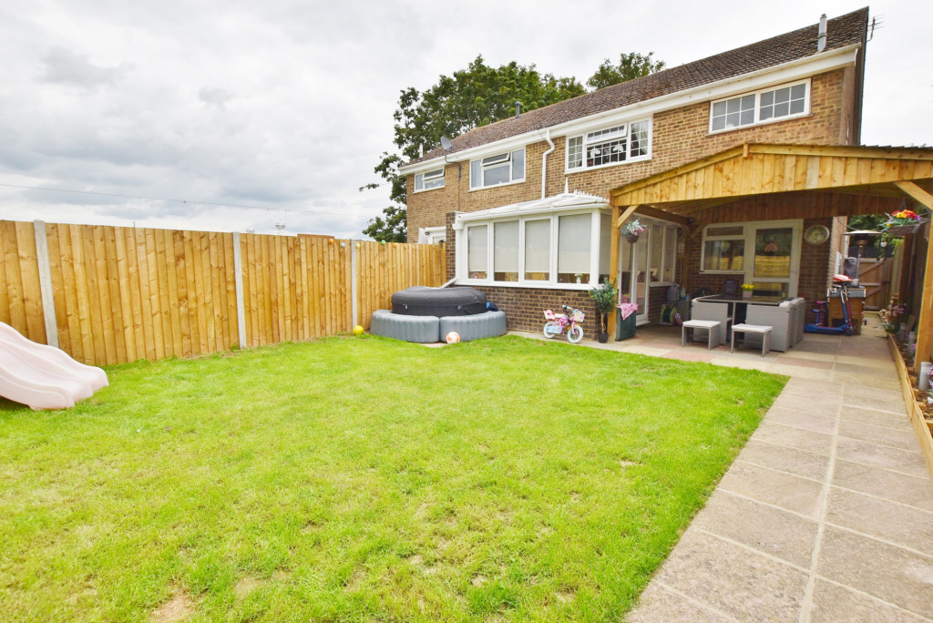 3 bed semi-detached house for sale in Salthouse Close, Brookland, Romney Marsh 2