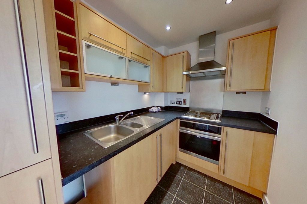 2 bed apartment to rent in Kingfisher Meadow, Maidstone 3