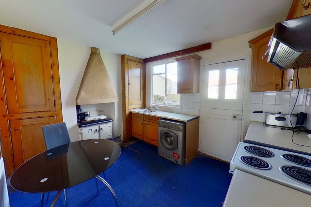 2 bed cottage for sale in New Street, Lydd, Romney Marsh  - Property Image 3
