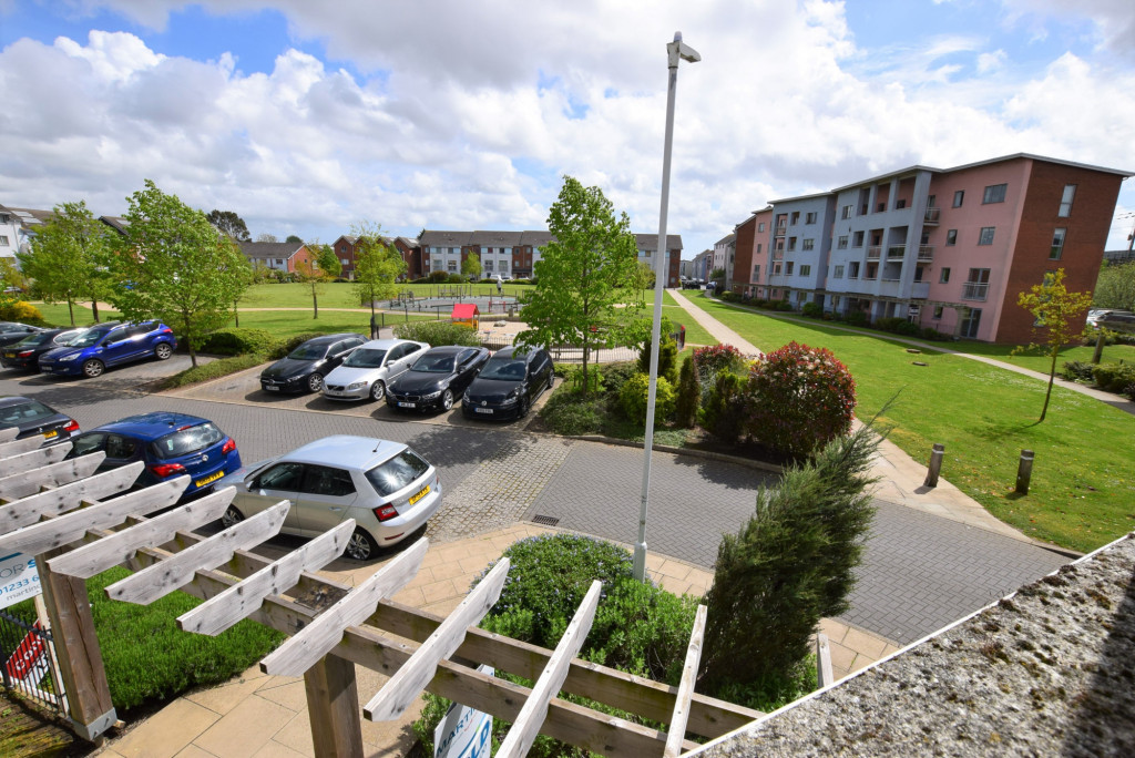 2 bed apartment for sale in Drummond Grove, Willesborough, Ashford 0